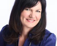 Lynda Western Headshot
