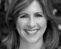 Mary Lovera Headshot