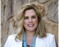 Stacy Lynn Massar Headshot