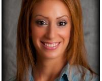 Nicole Azzi Headshot