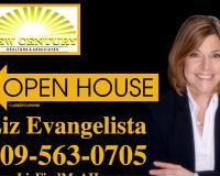 Liz Evangelista Headshot