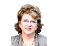 Janie Baylis Headshot