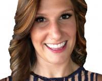 Danielle Faulk Headshot