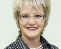Bonnie Lelak Headshot