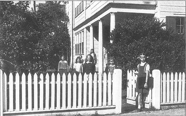 Charleston, Lower School, Women, Charleston Women, Historic, Downtown