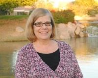Julie Waryck Headshot