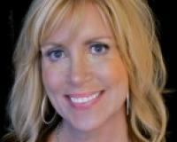 Janice Broyles Headshot
