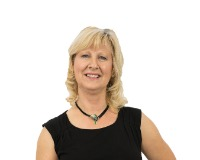 Linda Sanders Headshot