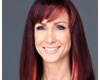 Debbie Vessey Headshot