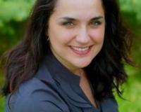 Cristina Charette Headshot