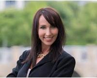 Angela Zalusky Headshot