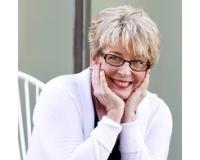 Laura Powell Headshot