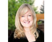 Lori Nickels Headshot