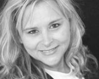 Rebecca Kallhoff Headshot