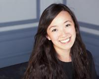 Julia Feng Headshot