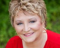 Linda Scardis Headshot