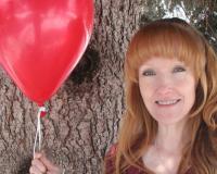 Vicki McLellan Headshot