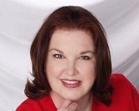 Jennie Holder Headshot