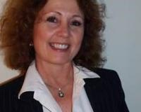 Linda OConnell Headshot