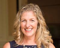 Suzanne Johnson Headshot
