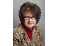 Esther Lewis Headshot