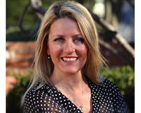 Brenda Seagroves Headshot
