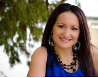 Liliana D Espinosa Headshot