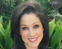 Claudia Allen Headshot