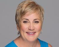 Stefanie Cruz Headshot