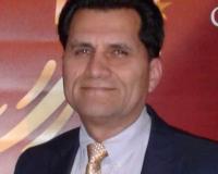 Leo Morales Headshot
