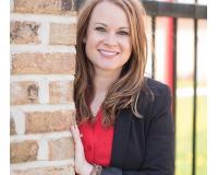 Brittney Buchholz Headshot