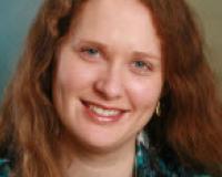 Sarah Tavarez Headshot