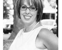 Karen Gauer Headshot