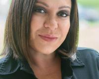 Ellen Dynov Headshot