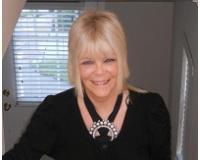 Lorraine Teto Headshot
