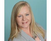 Tina Hengel Headshot