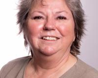 Lynne Crandall Headshot