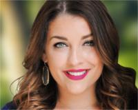 Nicole Espinosa Headshot
