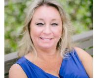Tina Alverson Headshot