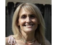 Laurie Ruehlman Headshot