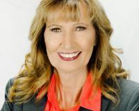 Cindy Pearce Headshot