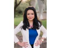 Claudia Fernandez Headshot
