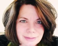 Lisa Schuetz Headshot