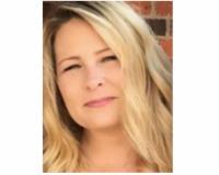 Amanda Moore Headshot