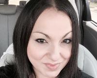 Claudia J. Headshot