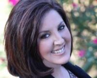 Amanda Allen Headshot