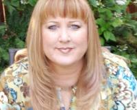 Amy Schrader Headshot