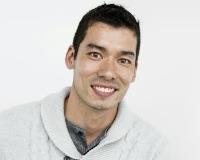 Aaron Ruengpinyophun Headshot
