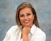 Maria Caro Headshot