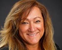 Liz Baker Headshot